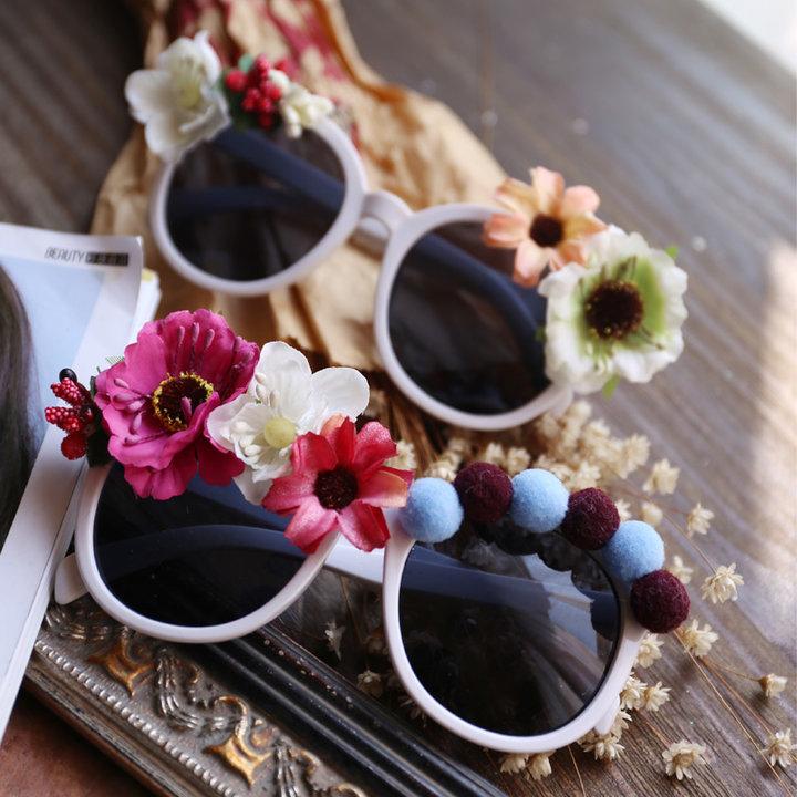 花朵装饰墨镜图片